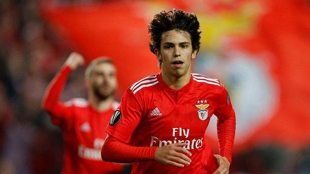 Talentovaný klenot Benfiky Lisabon João Félix si během čtvrtfinále Evropské ligy proti Frankfurtu připsal hattrick.