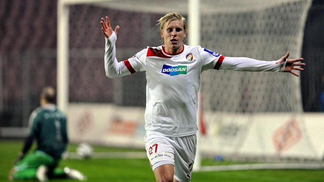 Plzeňský František Rajtoral slaví svou poslední trefu z ligového zápasu na hřišti Brna.