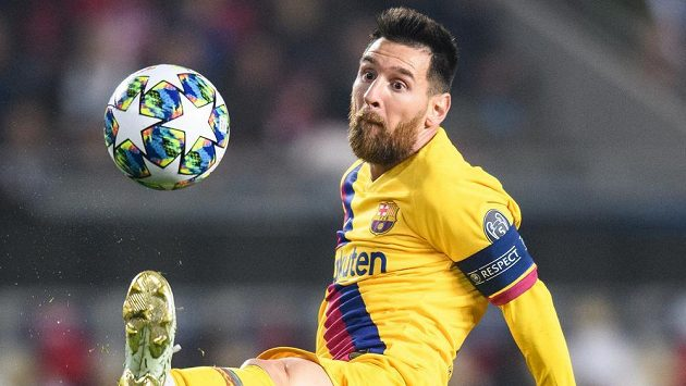 Lionel Messi z Barcelony během utkání základní skupiny Ligy mistrů na Slavii.