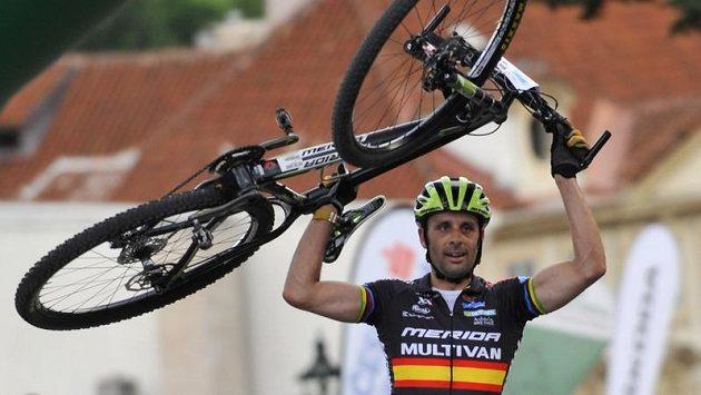 José Hermida ze Španělska zvítězil v cyklistickém závodu Pražské schody