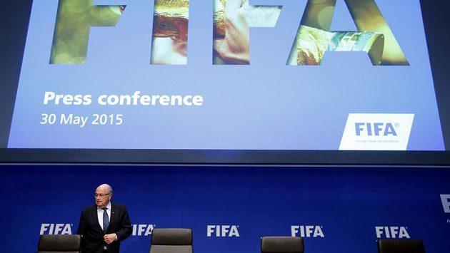 Po Blatterově znovuzvolení se rozdělení počtu míst na mistrovství světa nemění.