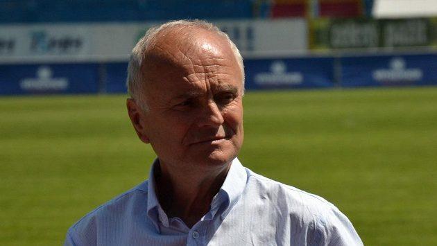 Legendární obránce Baníku Rostislav Vojáček na Bazaly nejezdí. Při rozlučce se stadiónem ale udělá výjimku.