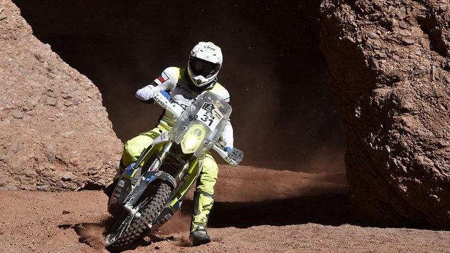 Český jezdec Ondřej Klymčiw v 8. etapě Rallye Dakar v argentinském Belénu.