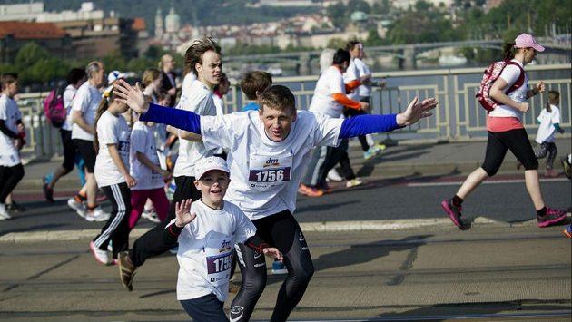 Jak to s tím maratónem udělat a neoddělat se? Užívat si!