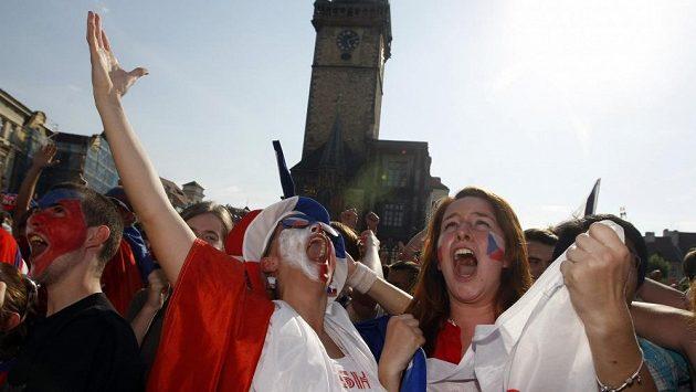 Ilustrační snímek fanoušků ze Staroměstského náměstí.