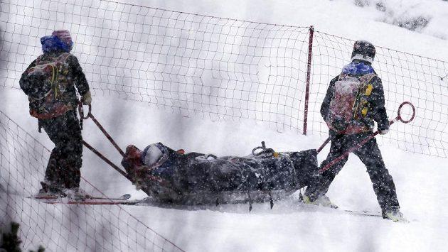 Američanka Lindsey Vonnová po pádu v super-G v Soldeu