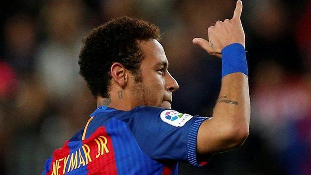 Při utkání ještě barcelonská hvězda Neymar hodinky nenosí. Jinak má ale hodně velkou sbírku.