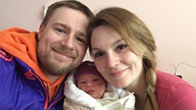 Matt a Kateřina Emmonsovi s čerstvým přírůstkem do rodiny, dcerkou Gábinkou.