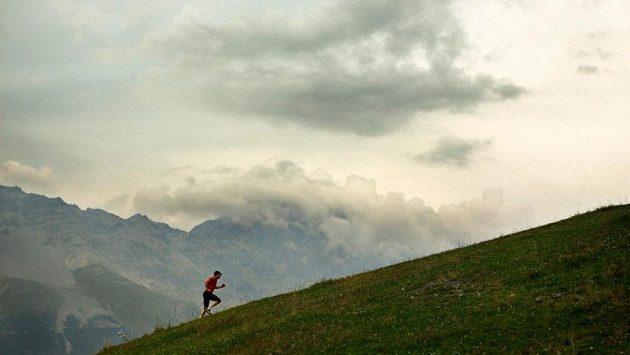 Běh do kopce propůjčí sílu vašim nohám. A jiskru šílenství vašemu oku.