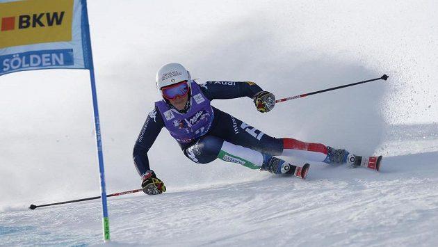 Italská sjezdařka Federica Brignoneová vede po prvním kole v rakouském Söldenu.