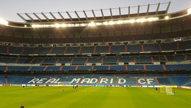 Pohled na stadion Santiago Bernabéu v Madridu.