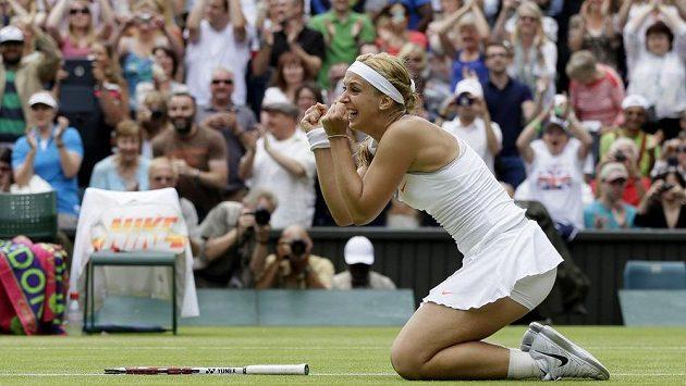 Němka Sabine Lisická porazila na grandslamovém Wimbledonu Američanku Serenu Williamsovou.