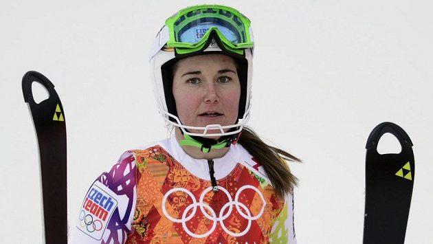 Šárka Strachová v cíli kombinačního slalomu.