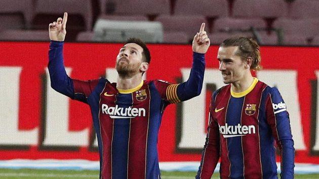 Lionel Messi dvěma góly oslavil 505. start ve španělské fotbalové lize za Barcelonu, čímž vyrovnal rekord Xaviho. Katalánci porazili Alavés 5:1