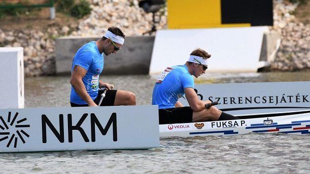 Zklamaní Petr (vpředu) a Martin Fuksové po finále na mistrovství světa v Szegedu.