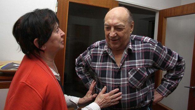 Vlastimil Bubník s manželkou Hanou na archivním snímku z roku 2011 při oslavě 80. narozenin.