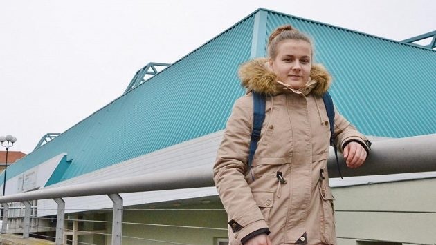 Na zimním stadiónu v Ostrava-Porubě chytala Klára Peslarová od tří let. Nyní už je jejím domovem ruský Krasnojarsk.