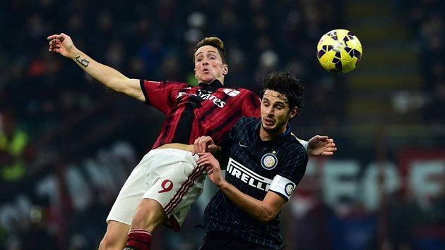 Fernando Torres (vlevo) během hostování v AC Milán.