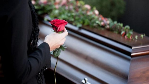 Populárního atleta zabilo auto. Pohřeb měl ve svém stylu. (ilustrační foto)