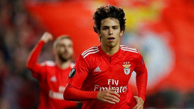 Devatenáctiletý útočník Benfiky Lisabon by se brzy mohl stát hráčem Realu Madrid.