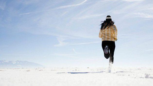 Běhejte i v zimě, nezapomeňte ale na její specifika!