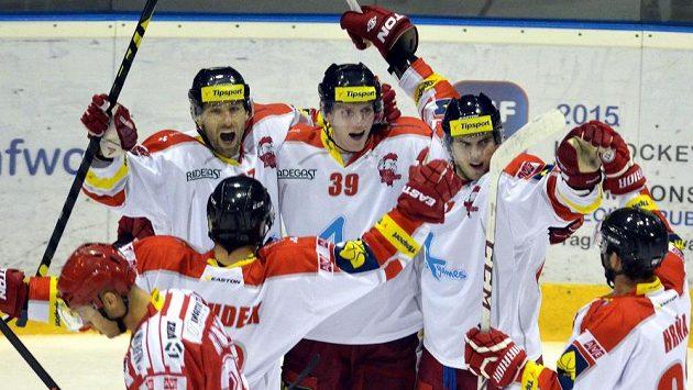 Olomoučtí hokejisté slaví gól - ilustrační foto