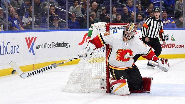David Rittich v brance Calgary slavil po dramatickém utkání s Philadelphií výhru.