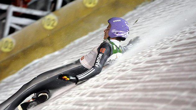 Andreas Wellinger se zranil v závodě Světového poháru v Ruce.