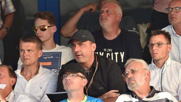 Liberecký trenér Jindřich Trpišovský mohl utkání s Larnakou sledovat jen z tribuny.
