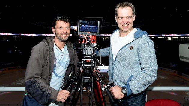 David Pospíšil (vlevo) a Martin Hosták, hokejoví experti České televize.