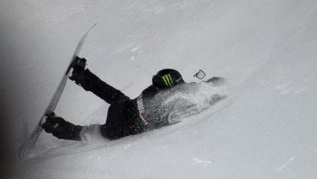 Švýcarský snowboardista Iouri Podladtchikov měl dva týdny před začátkem olympijských her, na nichž má obhajovat na U-rampě zlato ze Soči, těžký pád a skončil v nemocnici.