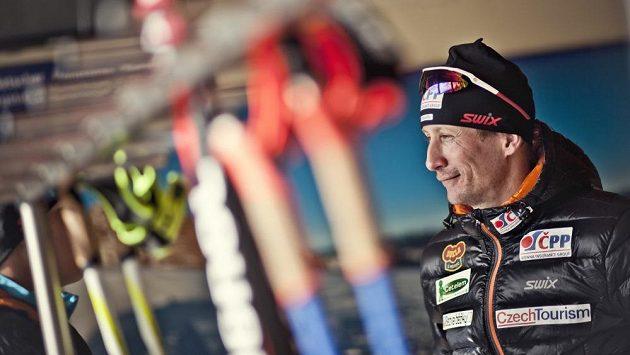 Běžec na lyžích Lukáš Bauer vyhlíží novou sezónu.