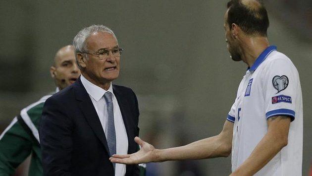 Claudio Ranieri při jeho posledním zápase na lavičce řeckého národního týmu, který prohrál s Faerskými ostrovy.