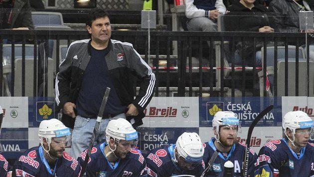 Trenér Chomutova Vladimír Růžička během utkání se Spartou.