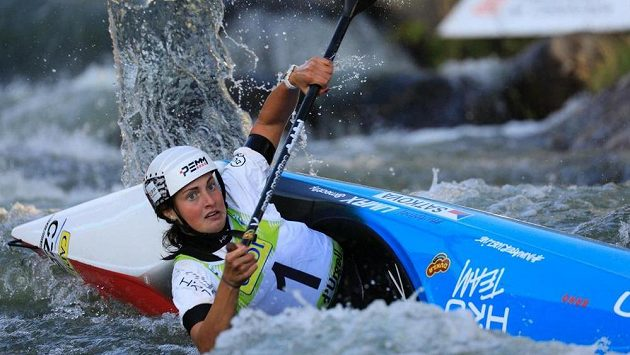 Czech canoeist Martina Satková v Seu d'Urgell.