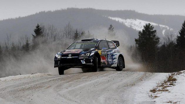 Francouz Sebastien Ogier na Švédskou rallyea.
