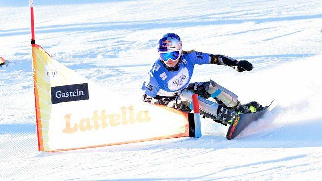 Ester Ledecká během kvalifikace v rakouském Bad Gasteinu.