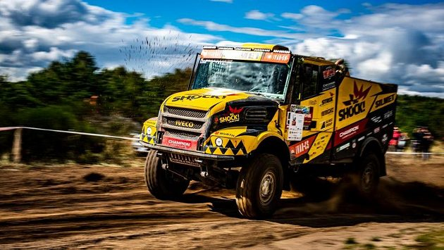 Ke svému již devátému startu na slavné Rallye Dakar odletěl pilot kamionu Iveco Martin Macík.