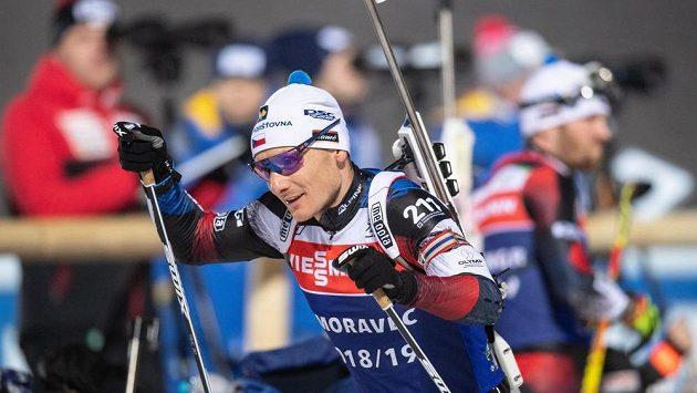 Český biatlonista Ondřej Moravec na smínku ze Světového poháru.