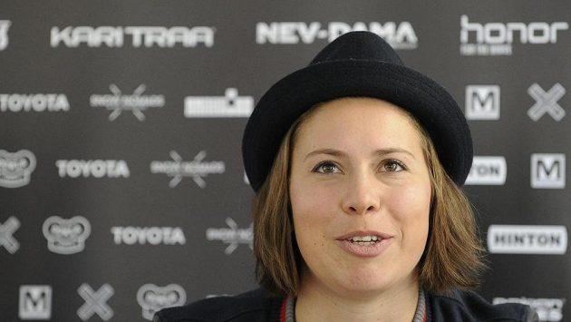 Snowboardistka Eva Samková na startu sezóny 2017/2018.