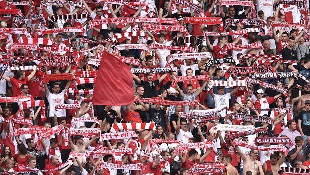 Vyhlíží fanoušci Slavie Praha lepší časy?