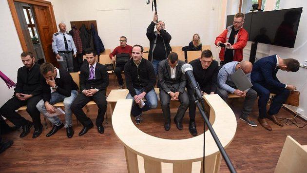 Ve Strakonicích začal 10. října soud s 18 obžalovanými v korupční fotbalové kauze, která zasáhla především nižší soutěže v Česku.