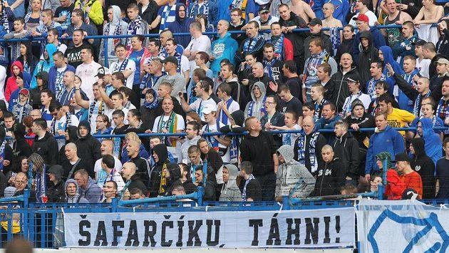 Kotel domácích fanoušků při utkání Baník - Dukla ve 30. kole Synot ligy.
