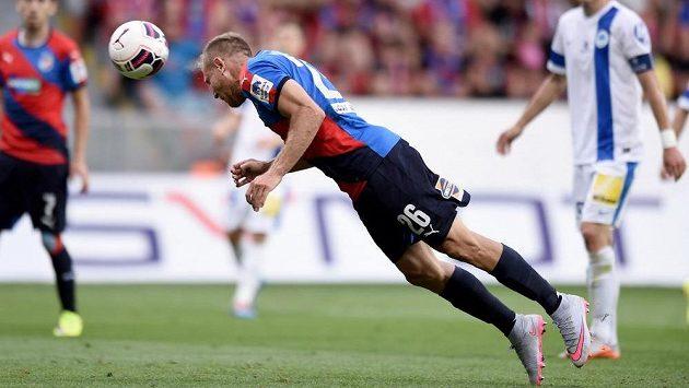 Záložník Daniel Kolář střílí druhý gól Plzně v Superpoháru proti Liberci.