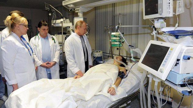 Ochrnutou skikrosařku Marii Komissarovovou navštívil v nemocnici i ruský prezident Vladimir Putin.