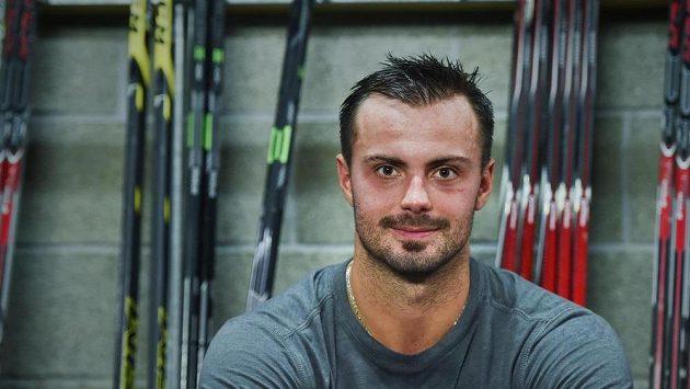 Útočník Michal Řepík po tréninku na ledě hokejového klubu Bílých tygrů v Liberci.