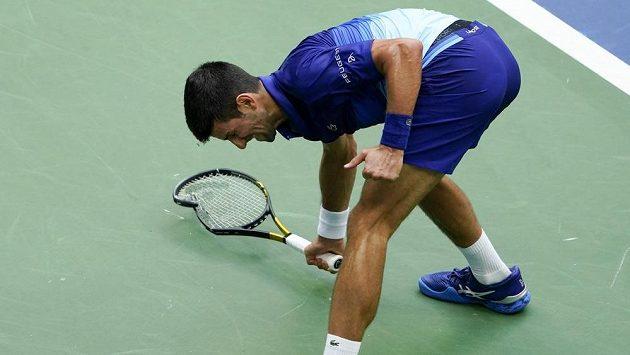 Výlev zlosti světové jedničky Novaka Djokoviče ve finále US Open.
