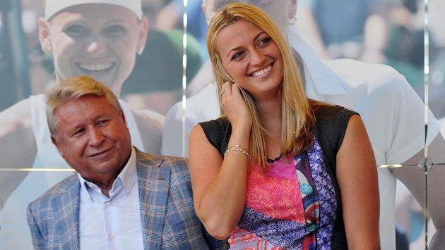Petra Kvitová na snímku se svým manažerem Miroslavem Černoškem.