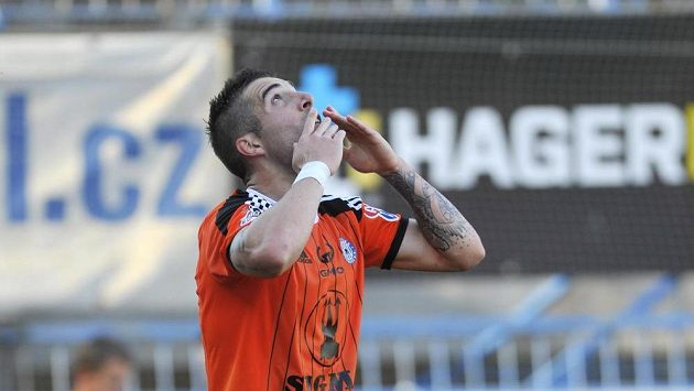David Alberto Depetris z Olomouce se raduje z prvního gólu zápasu proti Znojmu