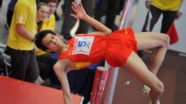 Vítěz Brněnské laťky Jü Wang z Číny